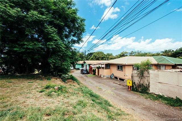 Photo of home for sale at 96-173B Waiawa Road, Pearl City HI