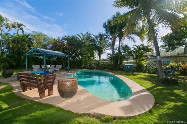 Photo of home for sale at 645 Pauku Street, Kailua HI