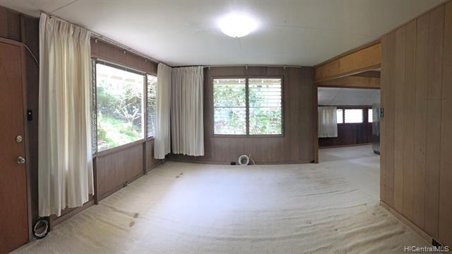 Photo of home for sale at 2314 Waiomao Road, Honolulu HI