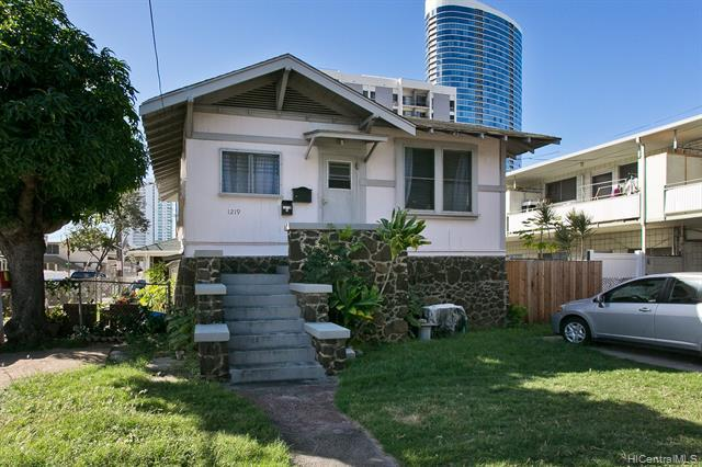 Photo of home for sale at 1219 Rycroft Street, Honolulu HI