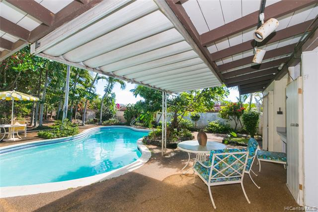 Photo of home for sale at 5841 Haleola Street, Honolulu HI