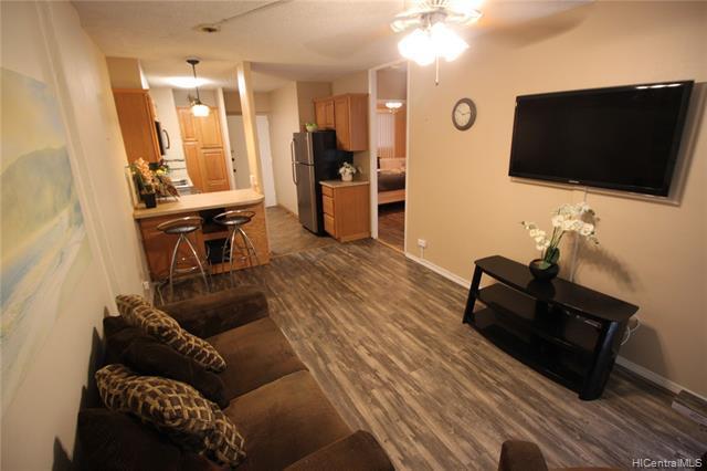 Photo of home for sale at 222 Kaiulani Avenue, Honolulu HI