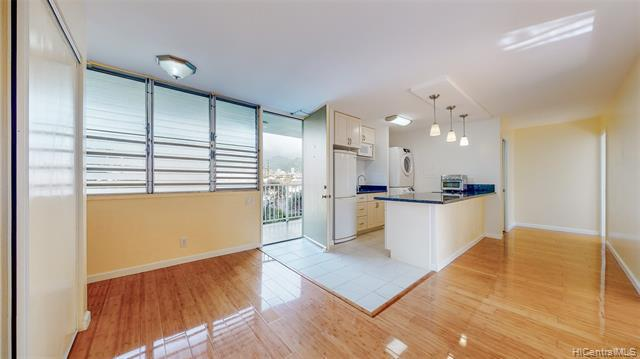 Photo of home for sale at 1122 Elm Street, Honolulu HI