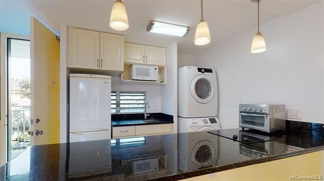 Photo of home for sale at 1122 Elm Street, Honolulu HI