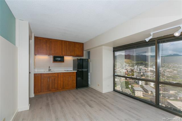 Photo of home for sale at 1750 Kalakaua Avenue, Honolulu HI