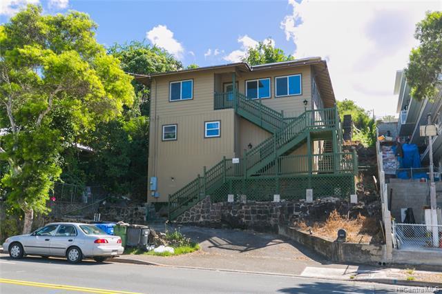Photo of home for sale at 1915 Kalihi Street, Honolulu HI