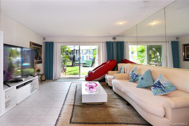 Photo of home for sale at 6221 Keokea Place, Honolulu HI