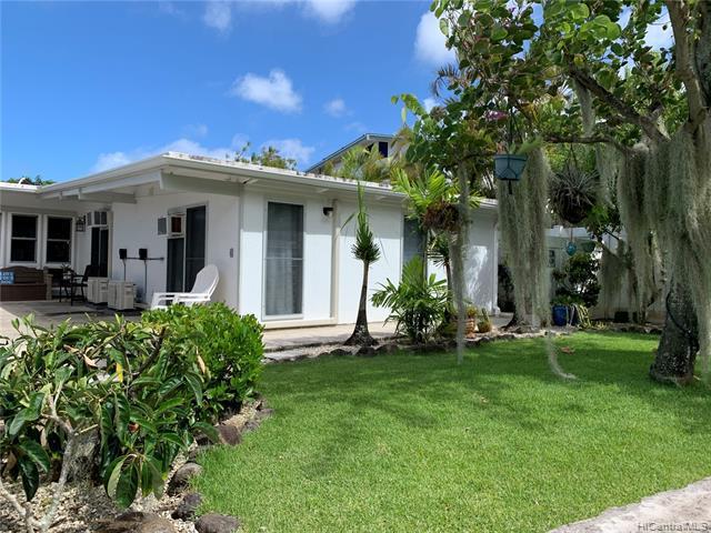 Photo of home for sale at 412 Iliwahi Loop, Kailua HI