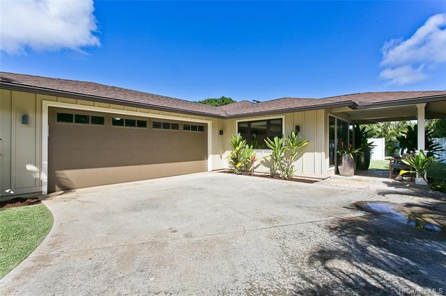 Photo of home for sale at 713 Nunu Street, Kailua HI