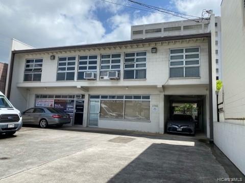 Photo of home for sale at 1733 Liliha Street, Honolulu HI