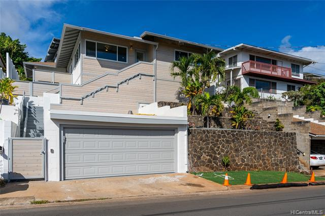 Photo of home for sale at 1930 St Louis Drive, Honolulu HI