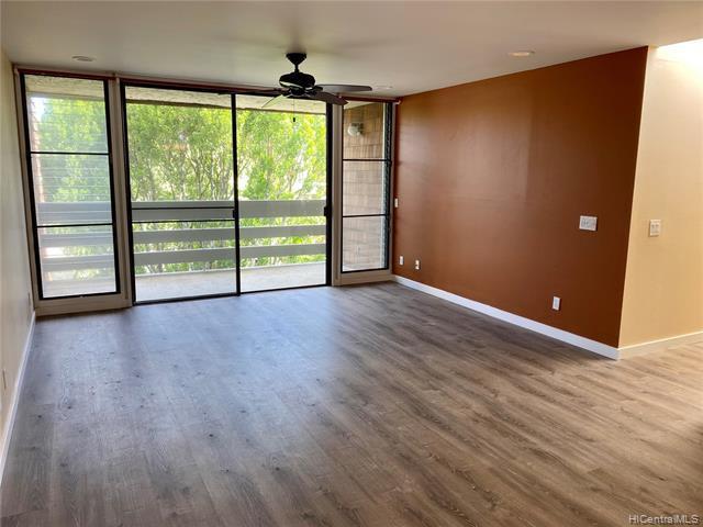 Photo of home for sale at 333 Aoloa Street, Kailua HI