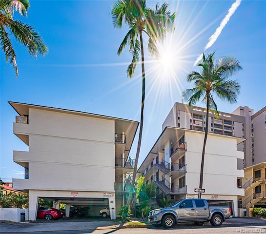Photo of home for sale at 437 Pau Street, Honolulu HI