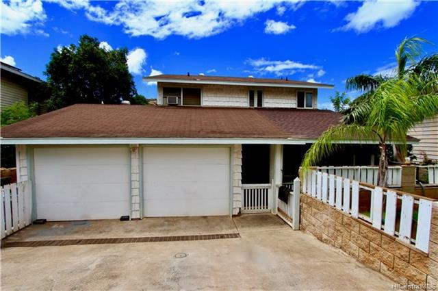 Photo of home for sale at 86-305 Alamihi Street, Waianae HI