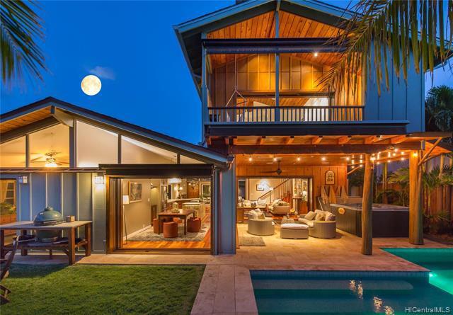 Photo of home for sale at 264 Hakalau Place, Honolulu HI