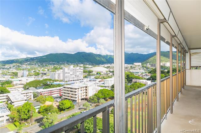 Photo of home for sale at 2754 Kuilei Street, Honolulu HI