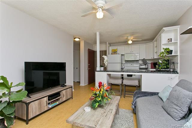 Photo of home for sale at 814 Kinau Street, Honolulu HI