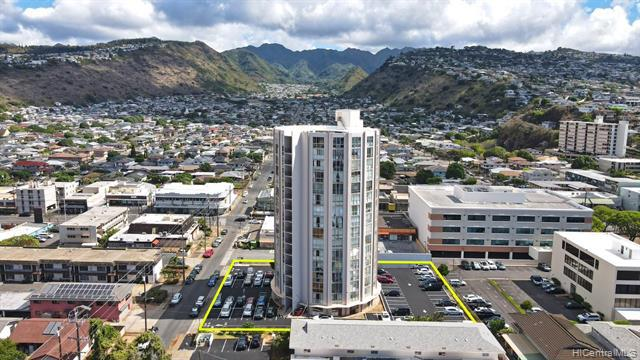 Photo of home for sale at 1139 9th Avenue, Honolulu HI