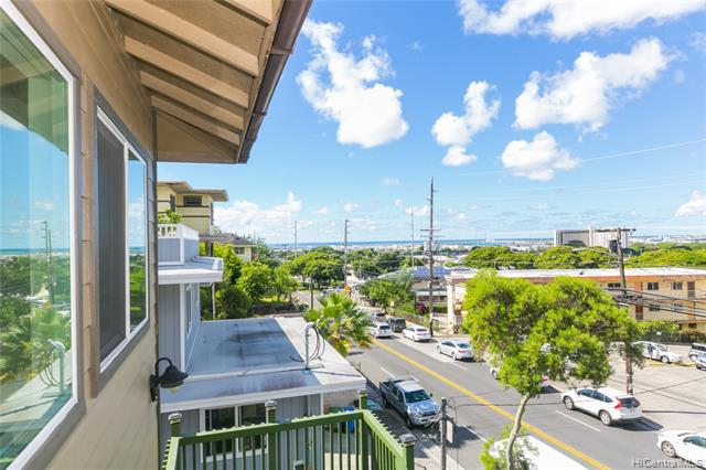 Photo of home for sale at 1915 Kalihi Street, Honolulu HI