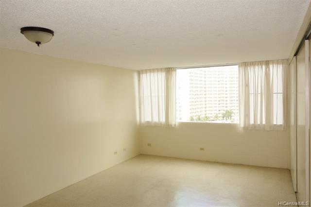 Photo of home for sale at 1121 ala napunani Street, Honolulu HI