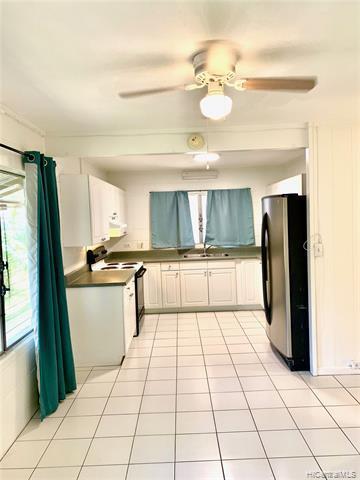 Photo of home for sale at 623 Hausten Street, Honolulu HI
