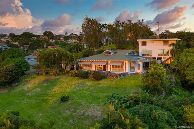 Photo of home for sale at 2839 Pacific Hts Road, Honolulu HI