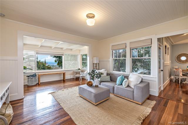 Photo of home for sale at 4412 Sierra Drive, Honolulu HI