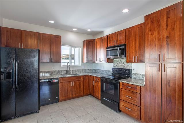 Photo of home for sale at 87-1720 Farrington Highway, Waianae HI