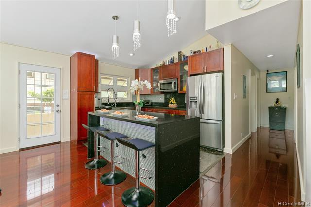 Photo of home for sale at 1446 16th Avenue, Honolulu HI