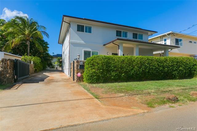 Photo of home for sale at 812 18th Avenue, Honolulu HI