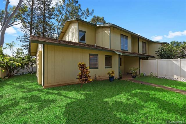 Photo of home for sale at 92-1210 Makakilo Drive, Kapolei HI