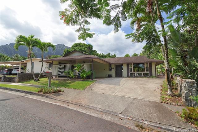 Photo of home for sale at 46-283 Auna Street, Kaneohe HI