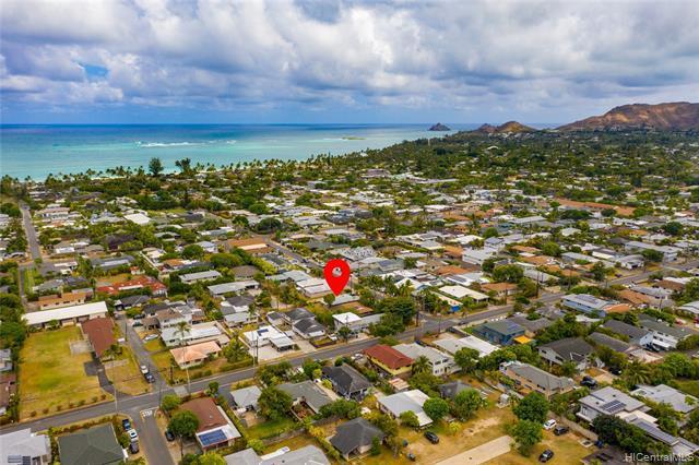 Photo of home for sale at 248 Mookua Street, Kailua HI
