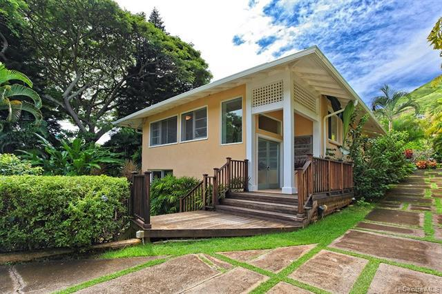 Photo of home for sale at 1370 Mokolea Drive, Kailua HI