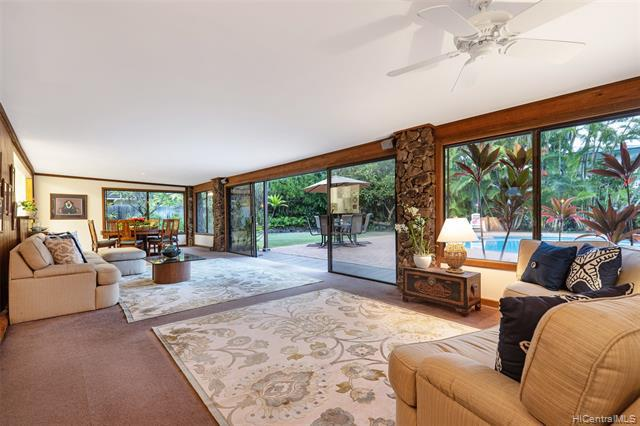 Photo of home for sale at 144 Kuuala Street, Kailua HI
