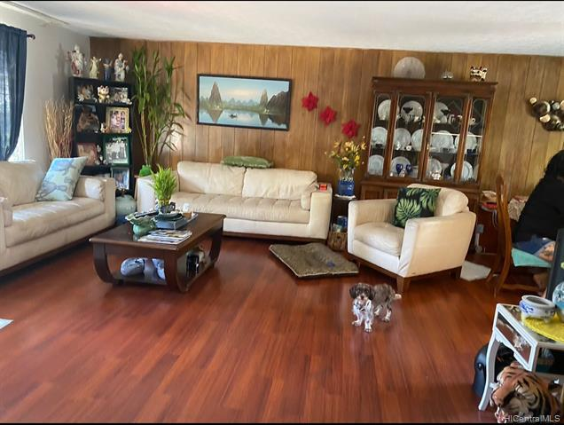 Photo of home for sale at 1008 9th Avenue, Honolulu HI