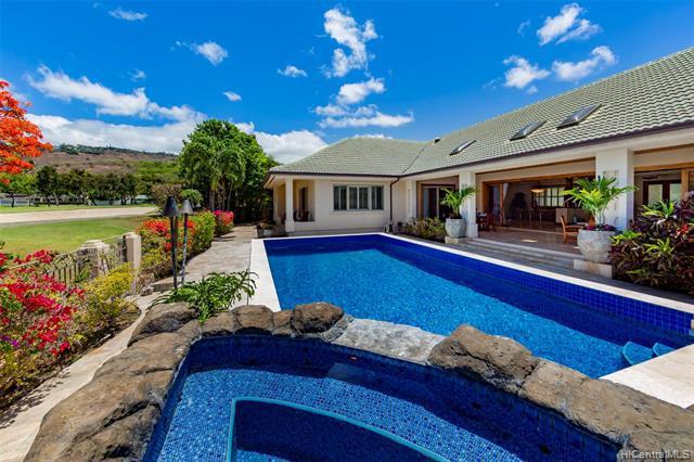Photo of home for sale at 943 Waiholo Street, Honolulu HI