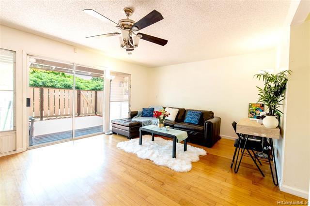 Photo of home for sale at 94-1410 Lanikuhana Avenue, Mililani HI