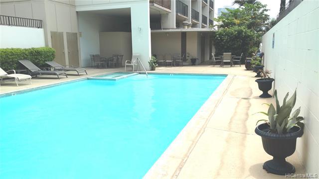 Photo of home for sale at 1112 Kinau Street, Honolulu HI