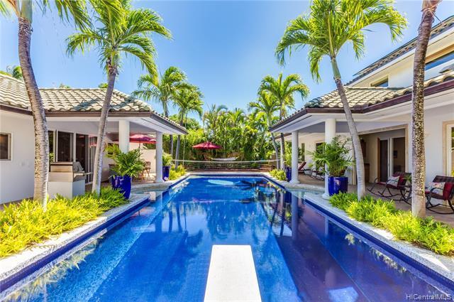 Photo of home for sale at 11 Niuhi Street, Honolulu HI