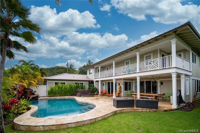 Photo of home for sale at 44-371 Kaneohe Bay Drive, Kaneohe HI