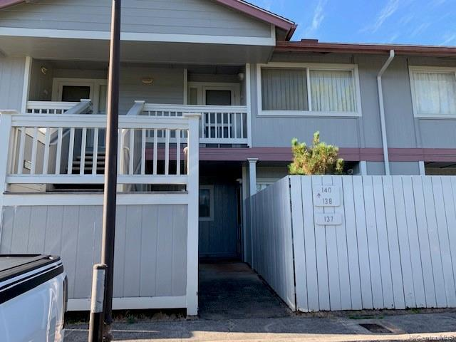 Photo of home for sale at 95-1183 Makaikai Street, Mililani HI