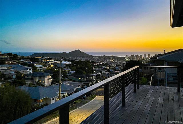 Photo of home for sale at 2028 Oswald Street, Honolulu HI