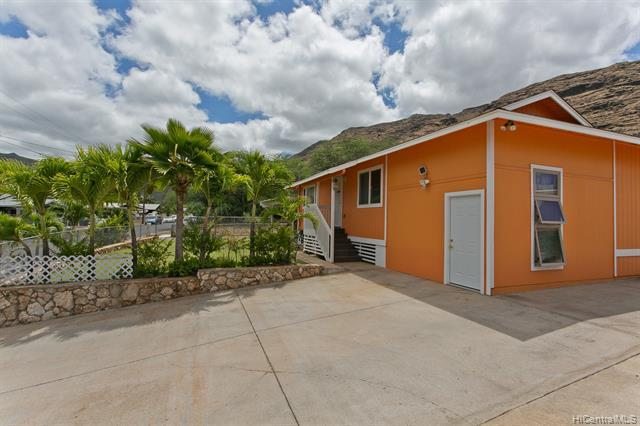 Photo of home for sale at 89-1085 Pikaiolena Street, Waianae HI