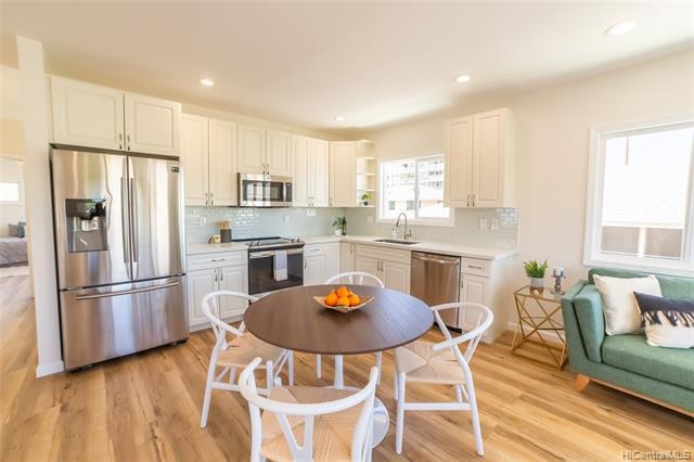 Photo of home for sale at 813 Lukepane Avenue, Honolulu HI