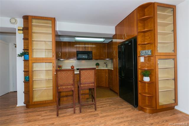 Photo of home for sale at 1415 Victoria Street, Honolulu HI