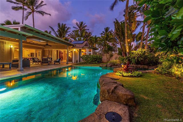 Photo of home for sale at 638 Milokai Street, Kailua HI
