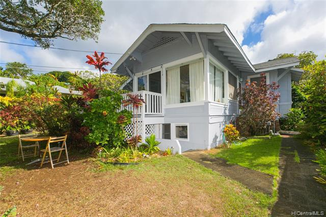 Photo of home for sale at 2015C Round Top Drive, Honolulu HI