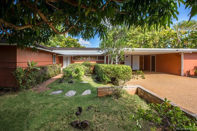 Photo of home for sale at 140 Niuiki Circle, Honolulu HI