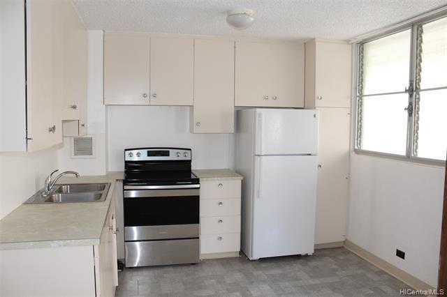 Photo of home for sale at 1452 Liholiho Street, Honolulu HI